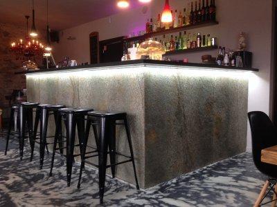 Slate Design Silver Shine Gold LiteStone kőfurnér pult - konyha / étkező ötlet