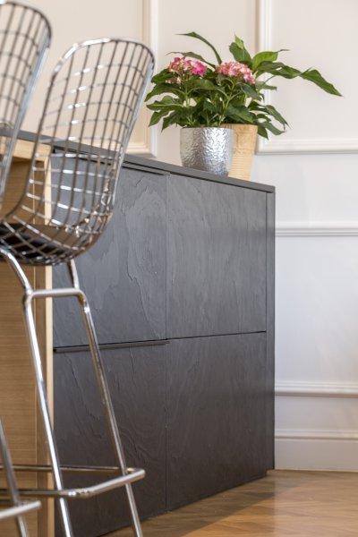 Slate Design Black LiteStone bútorfront - nappali ötlet
