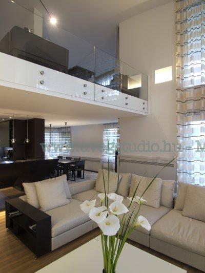 Elegáns üvegkorlát - tető ötlet