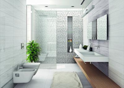 Tágas fürdő elegáns burkolattal - fürdő / WC ötlet, modern stílusban