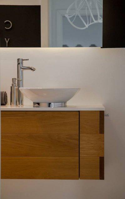 Modern, minimál kézmosó - fürdő / WC ötlet