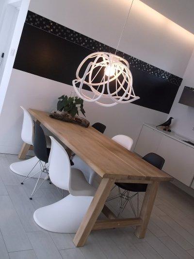 Modern étkező tölgy asztallal, design székekkel. - konyha / étkező ötlet, modern stílusban