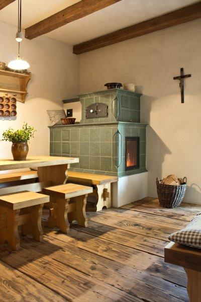 HOXTER HAKA 37/50 zöld mázas kályha - konyha / étkező ötlet, rusztikus stílusban