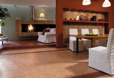 Tégla színű hidegburkolat a nappaliban - nappali ötlet, modern stílusban