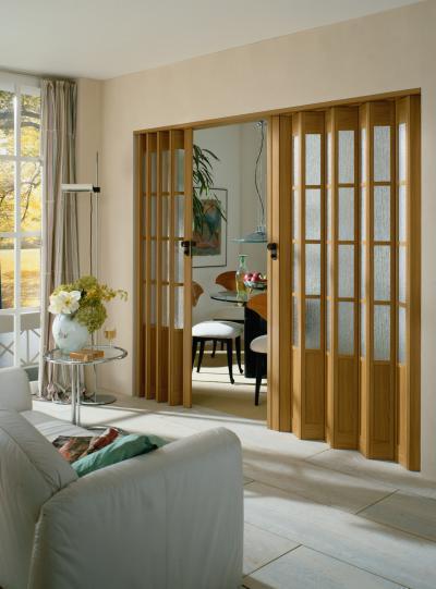 Kétszárnyú harmonikaajtó - nappali ötlet, modern stílusban