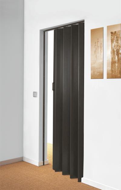 Harmonikaajtó fekete színben - nappali ötlet, modern stílusban