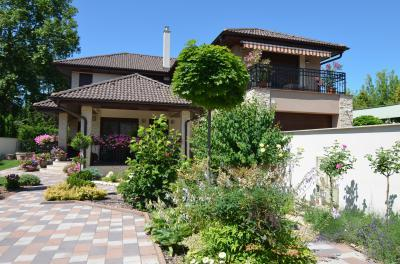 Tetőcserép mediterrán stílusú lakóházon - tető ötlet, mediterrán stílusban