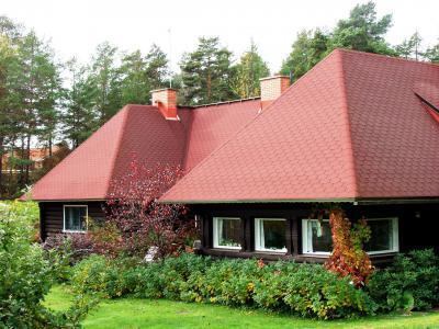 Tetőzsindely rusztikus stílusú lakóházon - tető ötlet, rusztikus stílusban