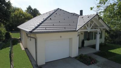 Tetőcserép klasszikus stílusú lakóházon - tető ötlet, klasszikus stílusban