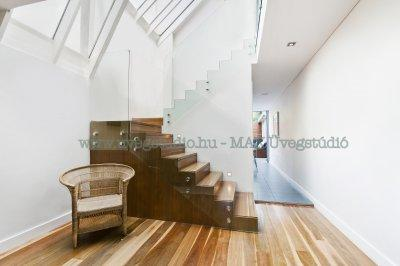 Modern üvegkorlát - előszoba ötlet, modern stílusban