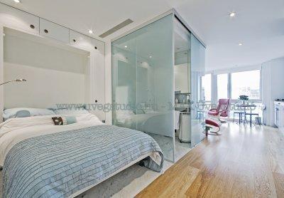 Térelválasztó üvegfal - fürdő / WC ötlet, modern stílusban