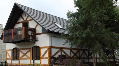 Rusztikus lakóház hozzá illő tetőcserepekkel - tető ötlet, rusztikus stílusban