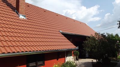 Homlokzat- és tetőszín harmóniája - tető ötlet, rusztikus stílusban