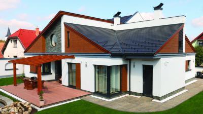 Izgalmas tetőmegoldás beton tetőcserepekkel - tető ötlet, modern stílusban