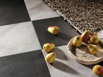Fekete fehér padlóburkolat - konyha / étkező ötlet, modern stílusban