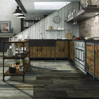 Rusztikus fahatású hidegburkolat - konyha / étkező ötlet, rusztikus stílusban