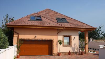 Sátortető beton tetőcseréppel - tető ötlet, klasszikus stílusban