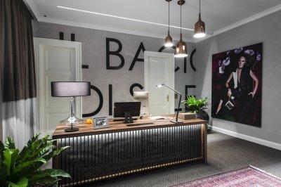 Modern iroda modern fényekkel - dolgozószoba ötlet, modern stílusban