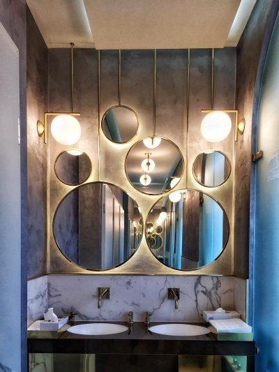 Direkt és indirekt fények - fürdő / WC ötlet, modern stílusban