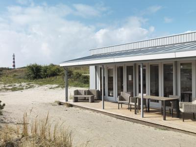 Lapostető rendszer modern nyaralón - tető ötlet, modern stílusban