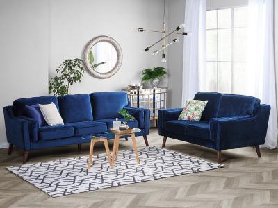 Háromszemélyes kanapé sötétkék huzattal - nappali ötlet, modern stílusban