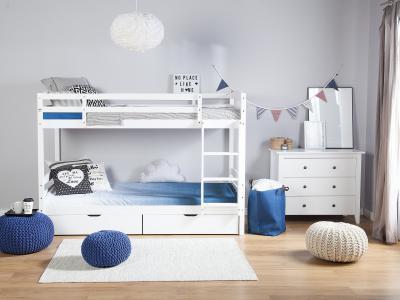 Fehér emeletes ágy - gyerekszoba ötlet, modern stílusban