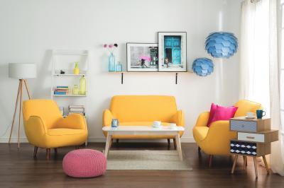 Kék mennyezeti lámpa - nappali ötlet, modern stílusban