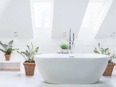 Szabadonálló hidromasszázs kád - fürdő / WC ötlet, modern stílusban