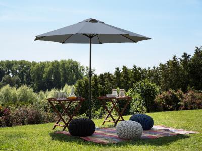 Nagyméretű napernyő - kert / udvar ötlet, modern stílusban