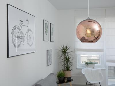 Réz színű mennyezeti lámpa - nappali ötlet, modern stílusban