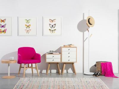 Élénk színű fotel - nappali ötlet, modern stílusban