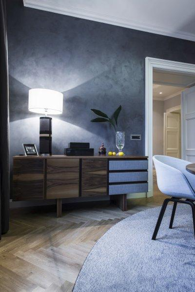 Modern asztali lámpa - dolgozószoba ötlet, modern stílusban