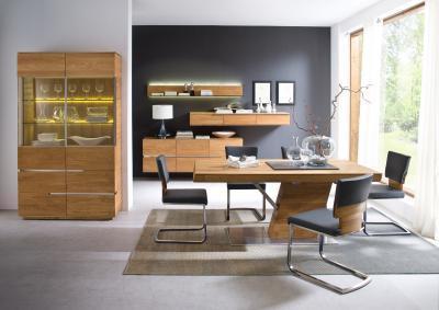 Tömörfa bútorok az étkezőben - nappali ötlet, modern stílusban