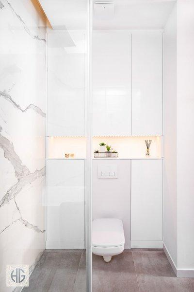 Belvárosi lakás fő fürdőszobája - fürdő / WC ötlet