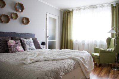 Panellakás hálószobája - háló ötlet, modern stílusban