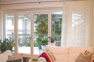 Fa harmonika teraszajtó - nappali ötlet, klasszikus stílusban