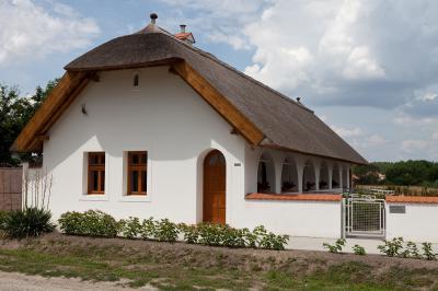 ÖKO Turisztikai központ Győrszemerén - homlokzat ötlet, rusztikus stílusban