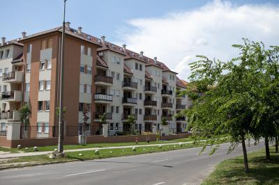 A Duna partján csodálatos környezetben - homlokzat ötlet, modern stílusban