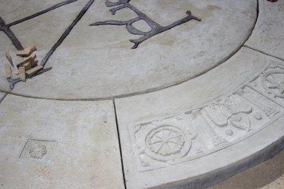 Szent István Emlékjel a főtéren - Székesfehérvárott - ez is velünk történt. - kert / udvar ötlet, rusztikus stílusban