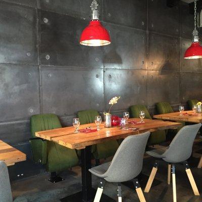 Loft, kenhető beton munkánk egy étteremben. - konyha / étkező ötlet, modern stílusban