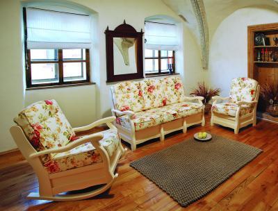 Roma kanapé - nappali ötlet, klasszikus stílusban
