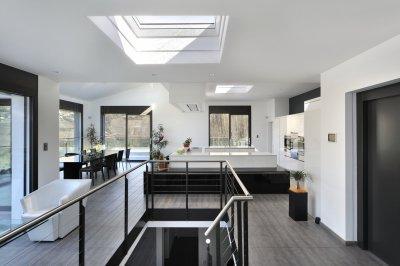 Panorámás konyha és étkező - konyha / étkező ötlet, modern stílusban