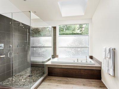Egyedi zuhanykabin - fürdő / WC ötlet