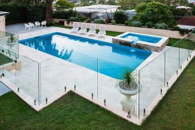 Üvegkorlát - erkély / terasz ötlet