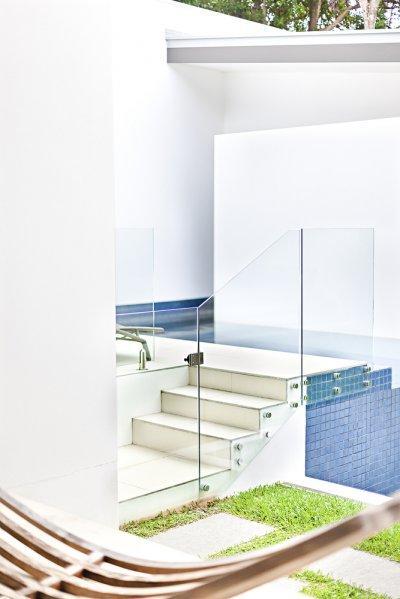 Medence üvegkorlát - medence / jakuzzi ötlet, modern stílusban