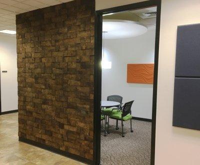 Muratto Cork Bricks - előszoba ötlet