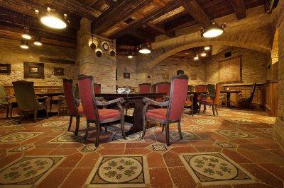 A képen a Halasi Pince padlóját láthatjuk, Villányban. - konyha / étkező ötlet