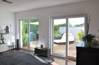 Emelőt-toló erkély / teraszajtó - nappali ötlet, modern stílusban