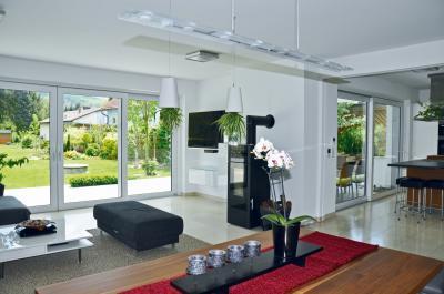 Emelő-toló erkély / teraszajtó - nappali ötlet, modern stílusban