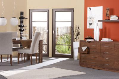Erkélyajtó jobbos és balos kivitelben - nappali ötlet, modern stílusban